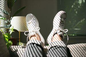 Lumière du soleil dans un salon